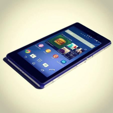 Das neue Sony Xperia Z2 ist wieder ein richtig gelungen Smartphone wie wir im Test feststellen konnten! Besondere die mitgelieferten Kopfhörer mit aktiver Geräuschunterdrückung und die 4k-Kamera konnten uns begeistern! Android Smartphone