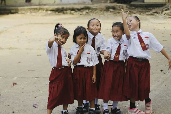 The Color Of School Leisure Activity Enjoyment Friendship Family Person Kids Photo Of The Day Children Childhood Back To School Children Photography Children's Portraits Jalan-jalan Looking At Camera Leisure Activity Bonding Togetherness Lifestyles Love Beach Vacations Girls Casual Clothing Standing