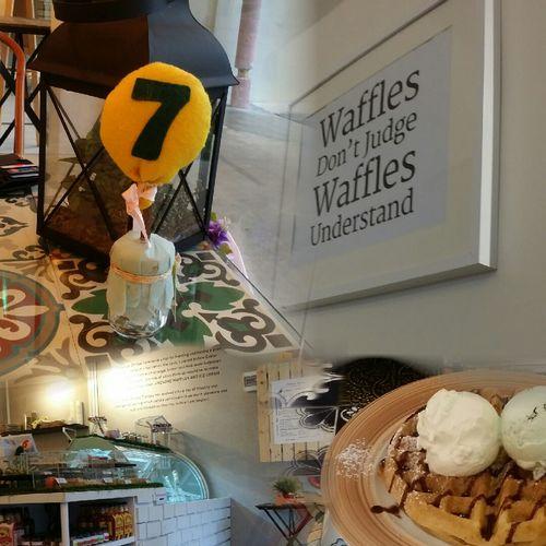 waffles w yummy ice cream . post yoga treat Noms Seriousleecountingblessings 100happydays 17/100