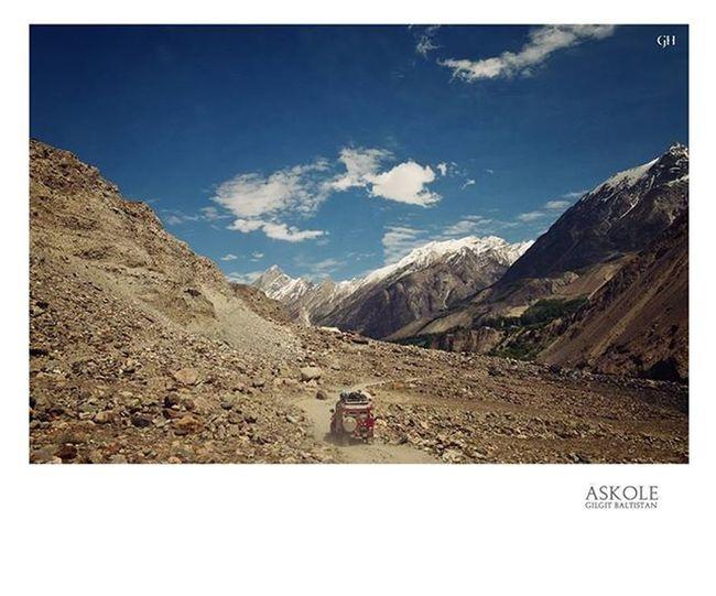 Road to Askole Starting point to reach Concordia/K2 , Snow Lake Trek and many others. Trekking Trek Mountains Gilgitbaltistan Pakistan Jeeptrek K2 Concordia Snowlake Ghalibhasnainphotography @our_beautiful_country_pakistan @picsofpakistan @travelbeautifulpakistan @hellopakistan Dawndotcom Expressnews