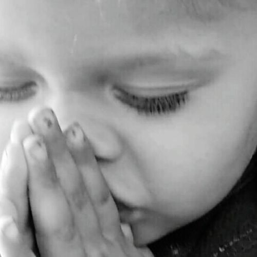 "i asked her what you doing ? She said ""shhh, I praying for my daddy. Prayerlife Innocence Beautiful Long Day In The Sun Black And White The Portraitist - 2016 EyeEm Awards"