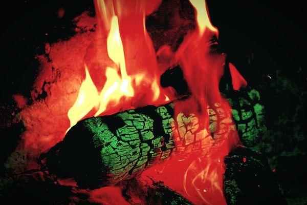 Wood Burning on the Braai BBQ Fire Burning Burning Wood Braai South Africa Mesmorising Power In Nature Heat - Temperature No People Nature Night