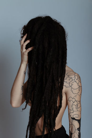 Tatoos Tattoomodels Tangled Hair Young Women Water Studio Shot Portrait Shower Females Curly Hair Shirtless Long Hair Dreadlocks