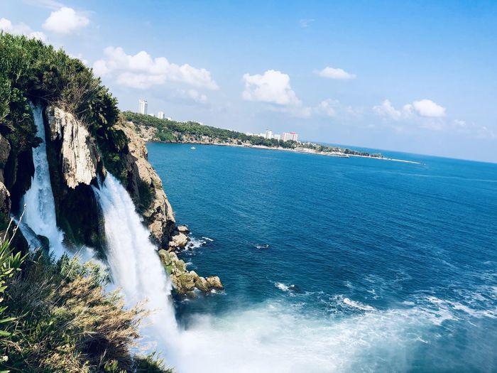 Водопад море