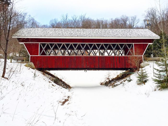 Winter Cold Temperature Snow Nature Vermont Covered Bridge Red Skislope Traveling Home For The Holidays