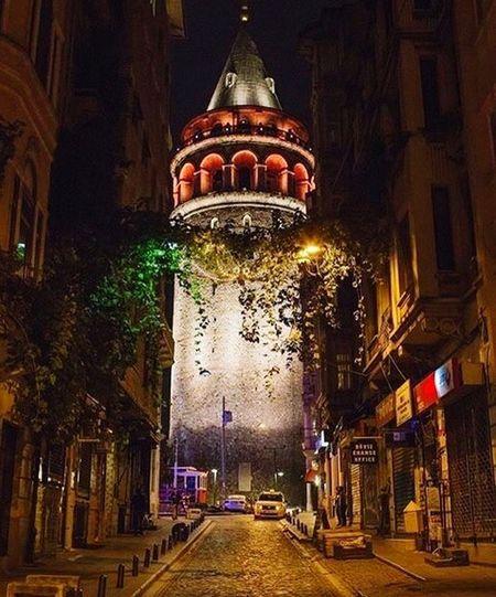 Galata tower 💙🎈 Istanbuldayasam Istanbul Anıyakala Hello World Hi! HelloIstanbul Hello Night Beyoğlu Taksim