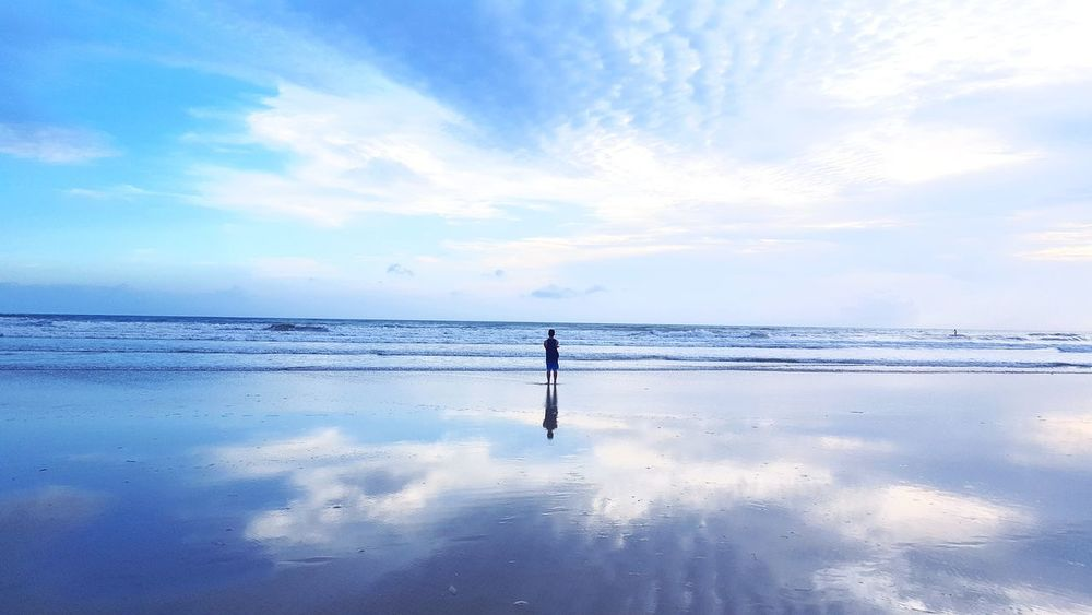 Beach Water Sea Horizon Over Water Sky Silhouette People One Person Sand Summer Reflection Cloud - Sky Beauty Standing Nature Adult Scenics Landscape Full Length Sunset The Great Outdoors - 2017 EyeEm Awards