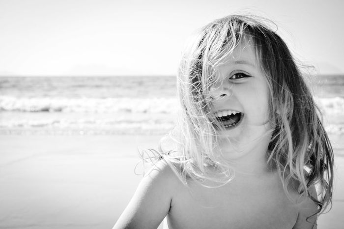 Hapiness... Beach Sea Portrait One Person One Girl Only Girls Child Happiness Enjoying Life Galicia Primavera Capture The Moment Black & White B&w Vigo Samil, Vigo Playa Childhood Children Photography Babygirl Lia Three Years Old  Pekeña Fierecilla Happiness Smiling