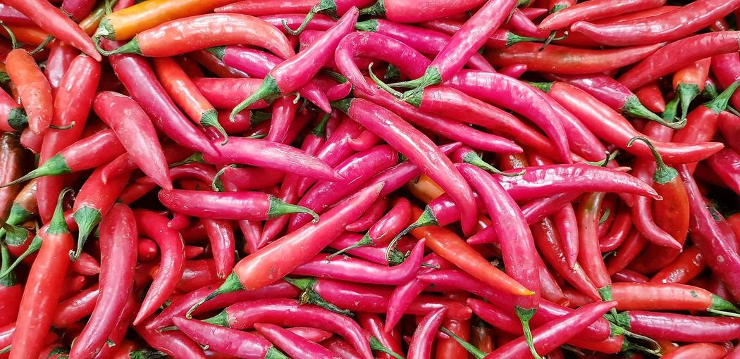 Red Chillies Chillies Red Chillies Backgrounds Red Full Frame Close-up Red Chili Pepper Display Market Stall