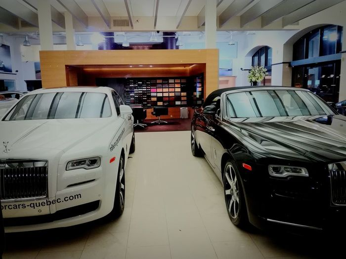 Rolls Royce Wraith Rolls Royce Rolls-Royce Rolls Royce Ghost Rolls-Royce Motor Cars Car Old-fashioned Indoors  Mode Of Transport Land Vehicle