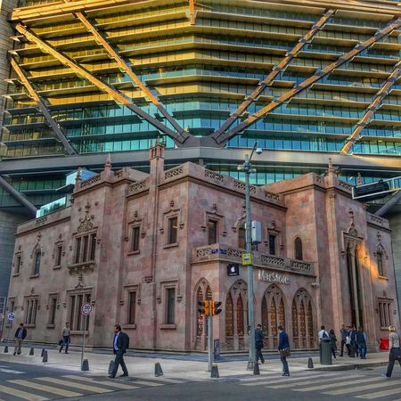 Ciudad de Mexico Architecture Built Structure Walking Real People Group Of People Men Building Exterior Women Modern Day People Full Length Indoors  Adult Adults Only Only Men Torrereforma Macstoremexico MacStore PaseoDeLaReforma