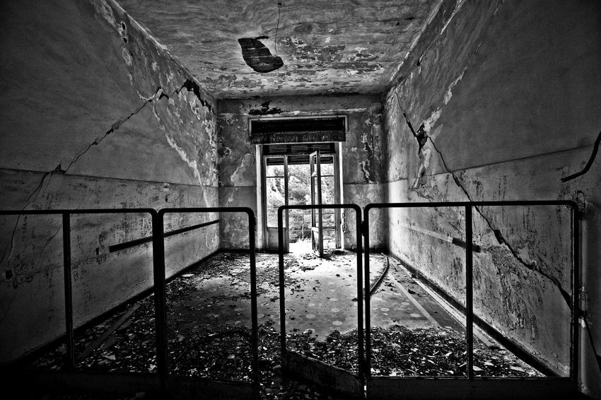 Ex Ospedale Rocco La Russa (abandoned) Dark Forgotten Gothic Hospital Ospedale Rocco La Russa Sicily Trapani Abandoned Damaged Decommissioned Deserted Dreary Erice Gloomy Indoor Inside Italy Lock Oblivion Oblivion Of Being Old Hospital Pigeons Reportage Rusty Tuberculosis