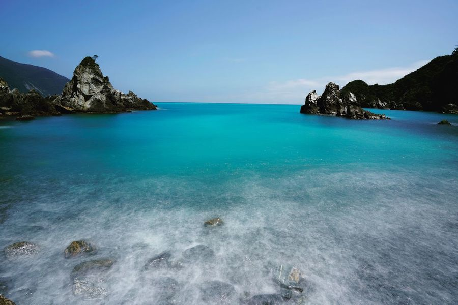 Sea Scenics Beauty In Nature Water Nature Tranquility Tranquil Scene Blue Idyllic Rock - Object Clear Sky Rock Horizon Over Water Outdoors Sky Day No People