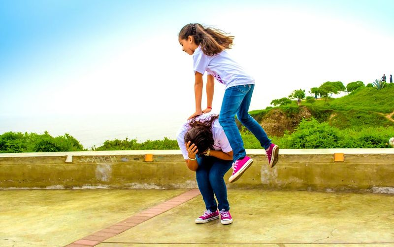 Photo Session Mom And Daughter Joyful Family Time Family Eye4photography  Popular Photos Our Best Pics Exceptional Photographs EyeEm Best Shots Capturing Movement Capturing The Moment Moments Enjoying Life Having Fun Playing Games Playful Colour Of Life