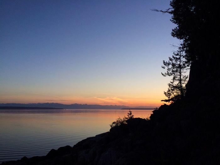 Showcase April Sunset Silhouettes Skyline Sky And Sea