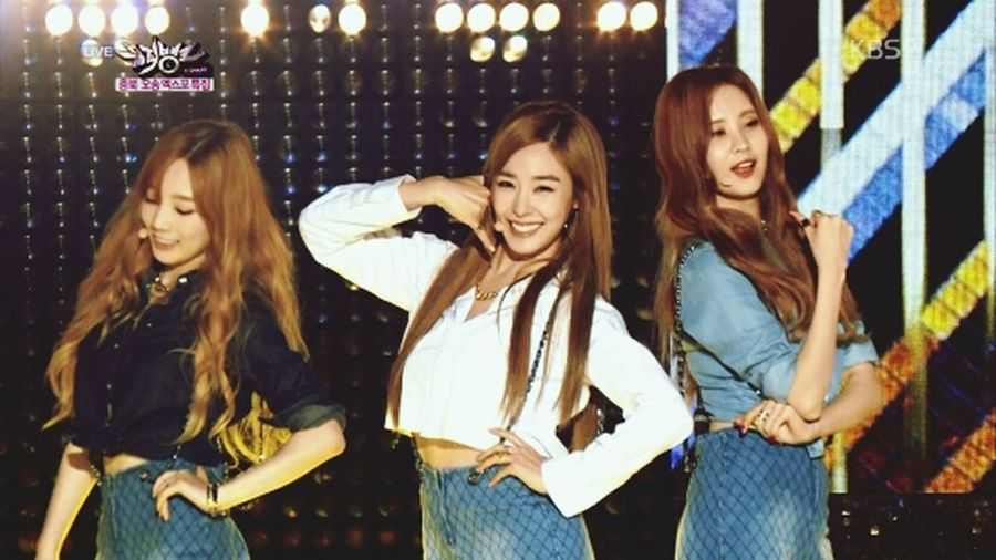 "[ 141030 ] Girls Generation - TTS Perform "" Holler "" and Wins First Place On KBS Music Bank First Eyeem Photo"