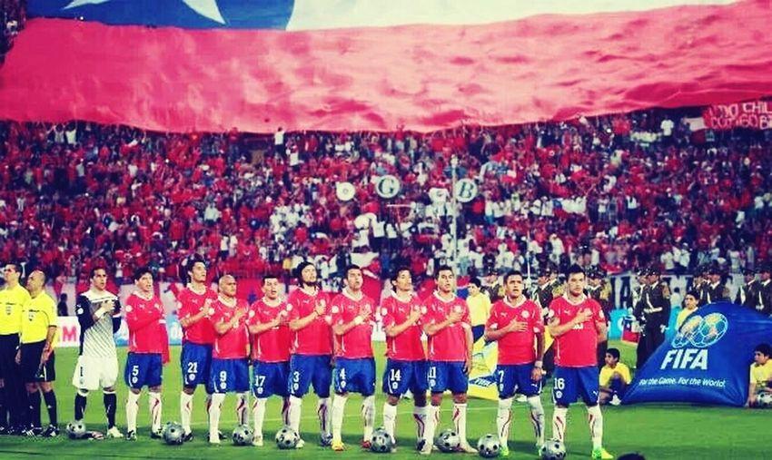 e.e.e.e.e.e CHILE SE VIVE,SE SIENTE,SE AMA , CHILE TODOS UNIDOS POR LA ROJA VAMOS MIERDA...!!!! <3 Futbol Pasion