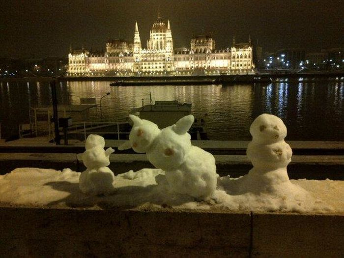 I re-post this photo of three snowmen on Budapest's Buda side, with the Parliament building on the Pest side. Architecture Baby It's Cold Outside Budapest Building Exterior Built Structure Capital Cities  Cold Temperature Cold Temperture Danube Hungary Illuminated Learn And Shoot: After Dark MyCity❤️ Parliament Building Re-Post River Showcase January Snowman Tourist Destination Water Reflections Winter Traveling Home For The Holidays