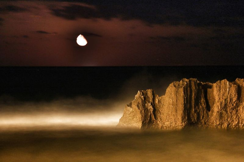 Sea Rock - Object Rock Wave Waves Moon Beauty In Nature Night The Week On EyeEm EyeEmNewHere Long Exposure Horizon Over Water Sea At Night Moonlight Your Ticket To Europe Seascape Landscape_Collection Nightphotography Investing In Quality Of Life Denia Perspectives On Nature