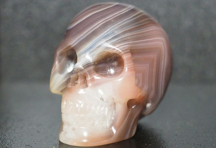 Close-up Crystal Skull Crystal Skulls Mozambique Gemstone  Realistic Healing Agate Agate Stone Skull Skulls💀 Carved Crystal Skull 1.1inch