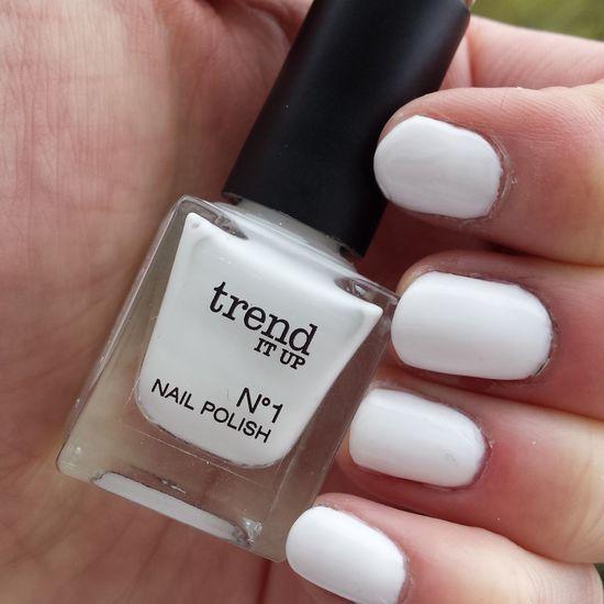 Newnails Whitenails Trenditup Trenditupnails Trenditupnailpolish Trendconnection Nagellacksuchti Nagellacksammlung2016 Whiteisbasic