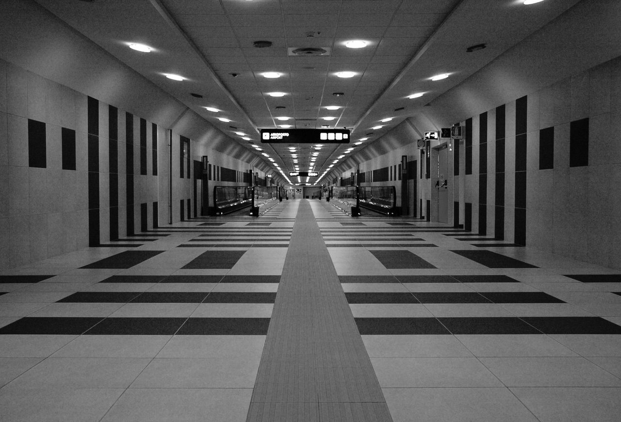 ceiling, illuminated, flooring, the way forward, built structure, corridor, indoors, architecture, no people, architectural column, day