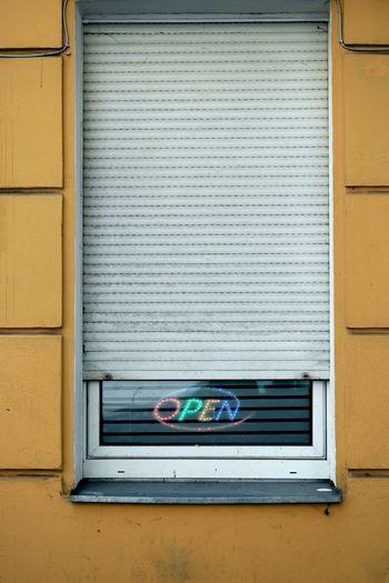 Die Deutsche Seele Ein Fünftel Ein Sechstel Fenster Geheim Halboffen Offen Open The 5th The 6th Verschlossen Window