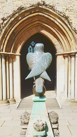 Queen Eleanor's garden at the Great Hall Winchester Heritage History Bird Sculpture Bronze Historic Architecture