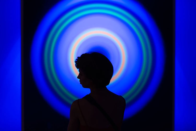 Halo TAOVA The Art Of Viewing Art Street Photography Streetphotography LONDON❤ Malephotographerofthemonth London The Street Photographer - 2018 EyeEm Awards Multi Colored Blue Silhouette Headshot Standing