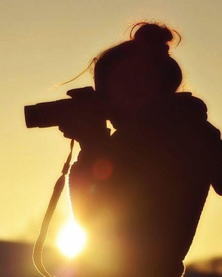 Silouette evening 🌥 👩 . 📷 : ...... . Silouette Evening Sunset Sun Hill LoveNature Woman Mirrorless Potrait Exploreyourself