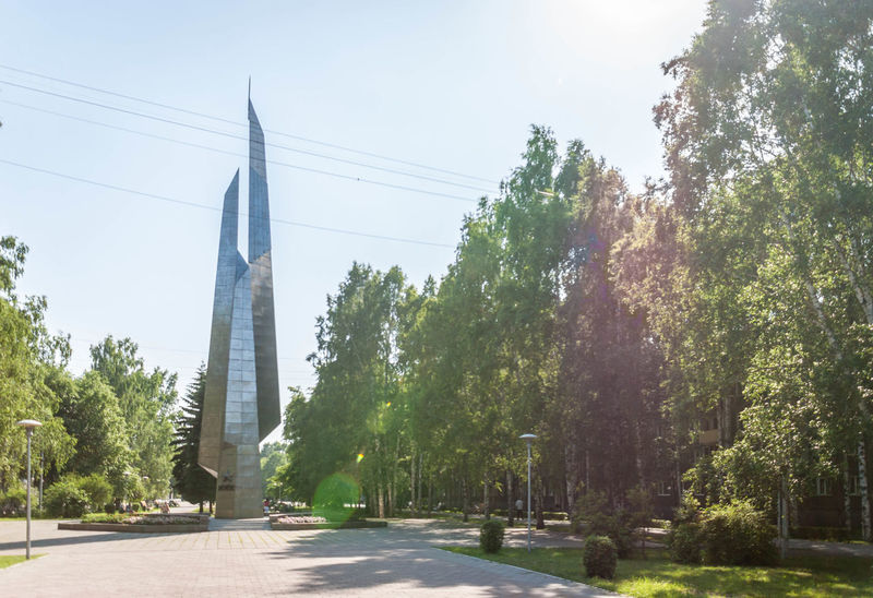 Boulevard Stella Obelisk Summer Novokuznetsk Kuzbass Siberia Russia Creative Light And Shadow
