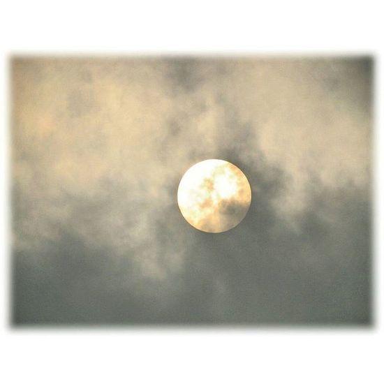 🌇 夕陽が出ました🎶😉 Setting sun came out🎶😉 * お月様じゃないよ🎶雨上がったよ🎶The'm not a moon 🎶 and rain ceased * 名古屋港 Setting Sun Port_of_Nagoya 夕焼け 夕暮れ Nature