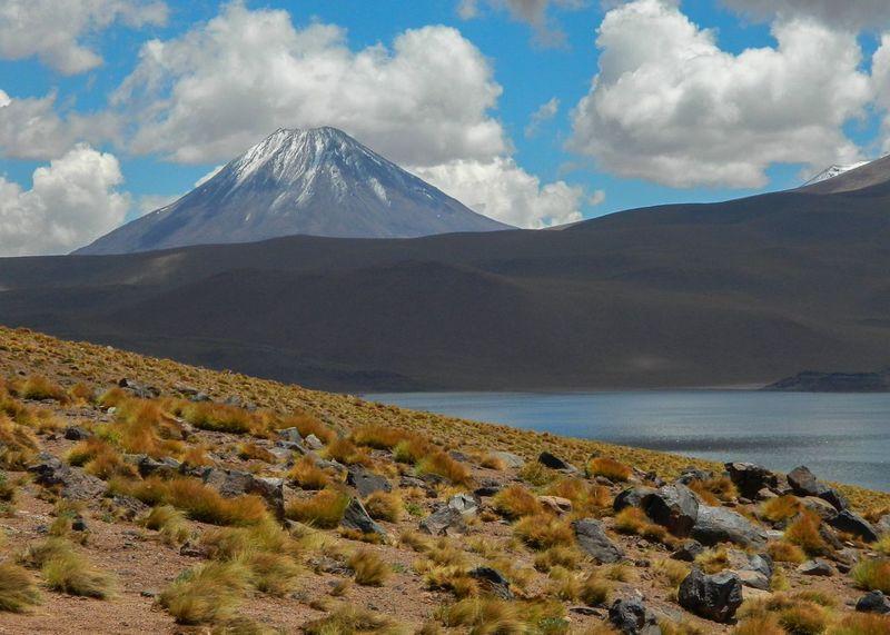 Miscanti lake. Atacama Desert Chile Laguna Miscanti Miscanti Miscanti Lake San Pedro De Atacama Lake