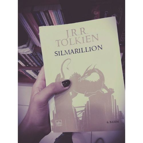 BUNU. BANA. ALIN. ? Book Iwanttobuy Silmarillion TheLordOfTheRings hobbit love please buy me alone song erciyes dr dream sweet nazgul aragorn samsun kayseri rock
