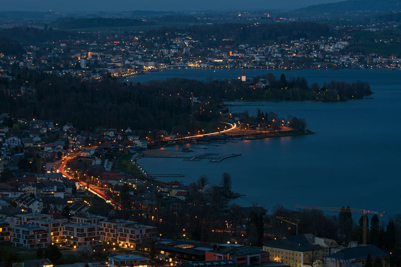Meine Heimatregion Am Traunsee Landschaftsfotografie Landschaft Salzkammergut, Austria Building Exterior Architecture City Built Structure Illuminated Water Cityscape Residential District High Angle View Building Night Nature No People Dusk Community Outdoors Sky TOWNSCAPE