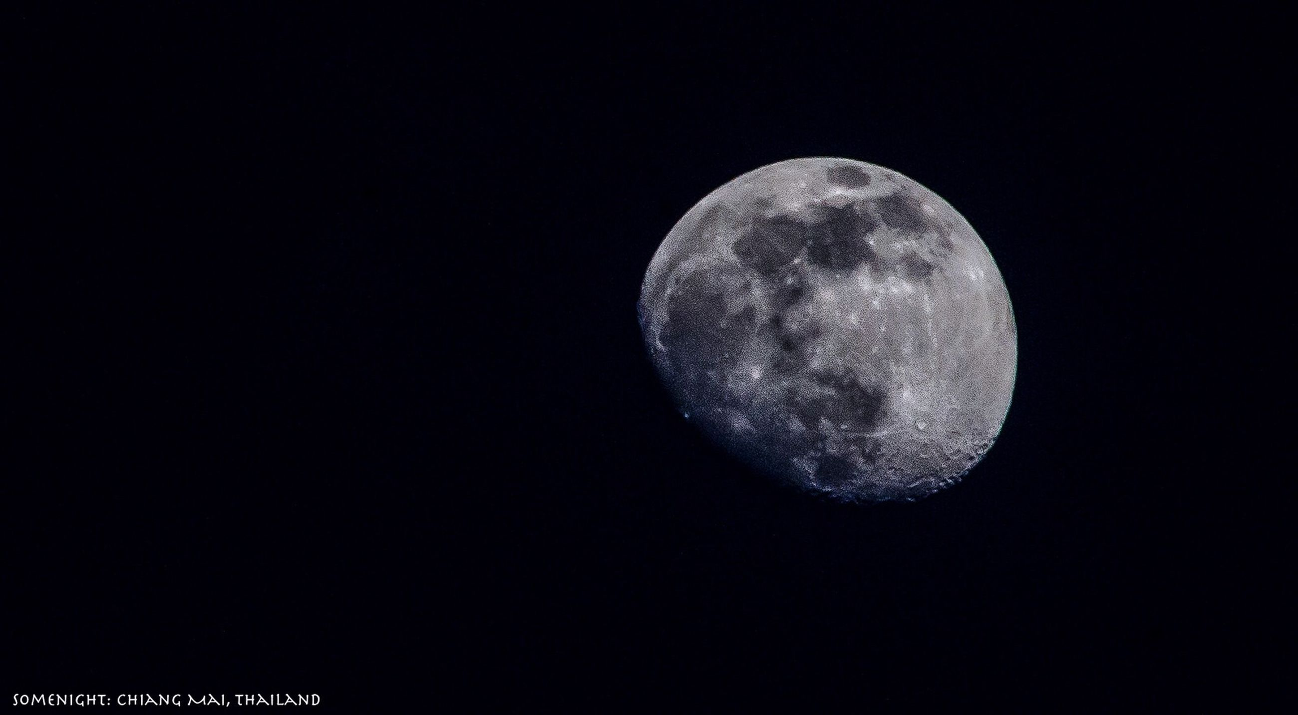 moon, astronomy, night, full moon, circle, planetary moon, copy space, moon surface, space exploration, sphere, low angle view, dark, discovery, sky, beauty in nature, clear sky, scenics, tranquil scene, tranquility, nature