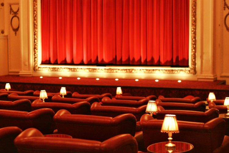 Cinema Film Comfortable Comfort Relax Lighting Red Seats Theater Homely Cozy Cozy Place Welcome Popcorn Warm Romantic London Classic Old Cinema Retro Retro Styled Retro Cinema Warm Light Row In A Row Beautifully OrganizedCamera: EOS 500d, 50mm 1.8