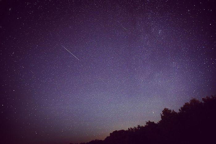 Shooting Stars Beauty In Nature Landscape Sky Night Lights stars
