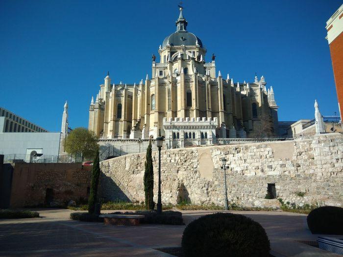 Muralla Islámica de Madrid / Madrid Islamic Wall Architecture City Islamic Architecture Muslim❤️ Madrid SPAIN España🇪🇸