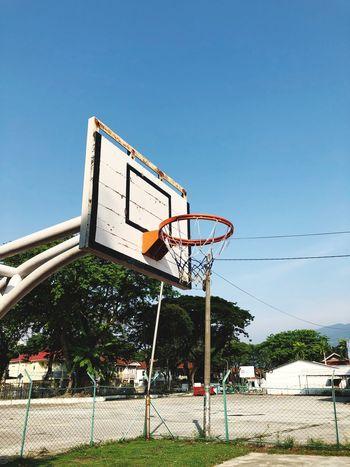 Sky Basketball - Sport Basketball Hoop Sport Nature Architecture Tree