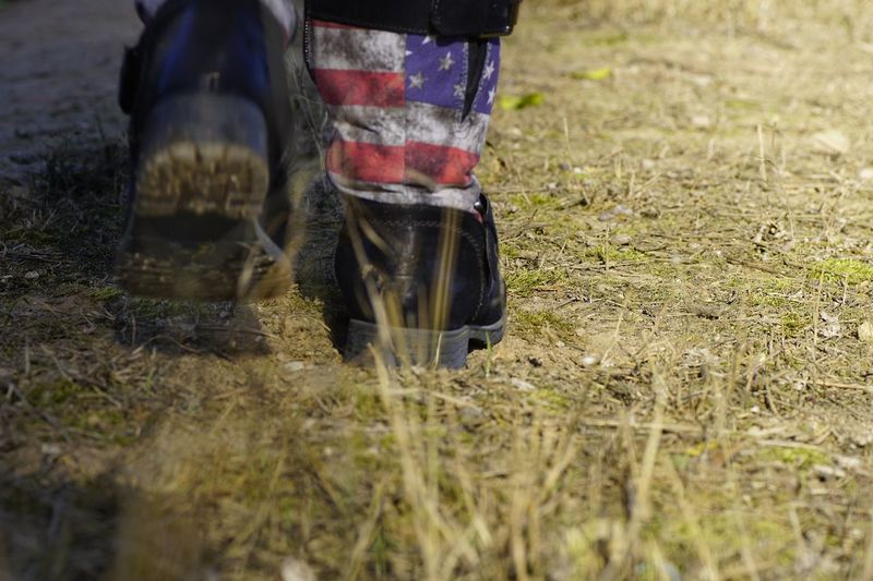 Is this the right direction to canada???😉😉😉 Low Section Human Leg Grass Shoe Outdoors Close-up Day Nature Capture The Moment The American Way The American Flag The American Dream Tour