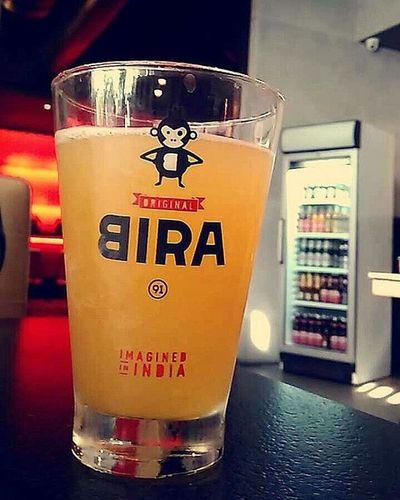 Bira is the new love,tastes just like juice. x Bira Draughtbeer Wheatbeer Beer Nofilter Booze Benihana Epicuria DelhiGram Sodelhi Indigram Delhidiaries Dilli Incredibleindia Indiapictures WhenInDelhi