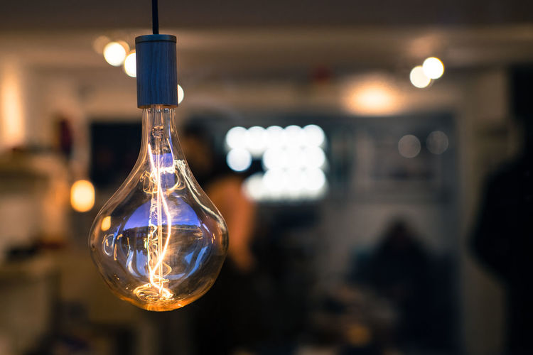 Light Bright Lit Brightly Lit Bulb Day Electricity  Filament Glass - Material Hanging Illuminated Indoors  Light Bulb Light Bulbs Lighting Equipment No People Technology Vintage