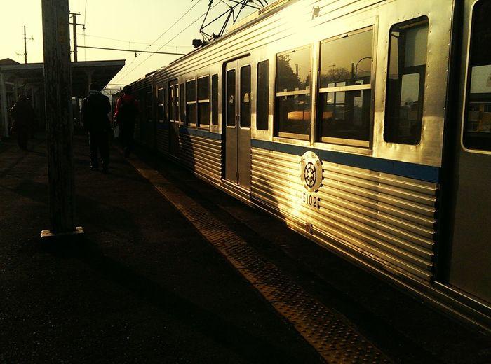 秩父鉄道にいい感じの夕陽。