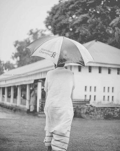 Monsoon Memoirs 3/3 Onwards and away, into the warm summer rain. Pob_bnw Photographersofbangladesh Resourcemag One__shot__ Bnwmood Mood_family Blackandwhitephotography Bnw Bwzgz Blackandwhiteisworththefight Monsoon Rain People Gameoftones Burnmagazine Nytimes Natgeotravel Afp Travelbug Wanderlust Whatawonderfulworld Chittagong Naturalbangladesh BeautifulBANGLADESH Bangladesh azeezkhanphotography