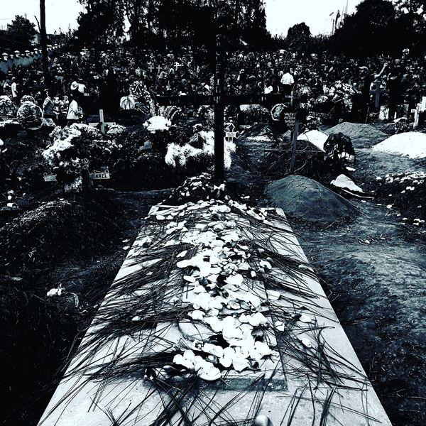 Cemetery Dia De Los Muertos Guatemala Traditions Culture Beauty In Ordinary Things