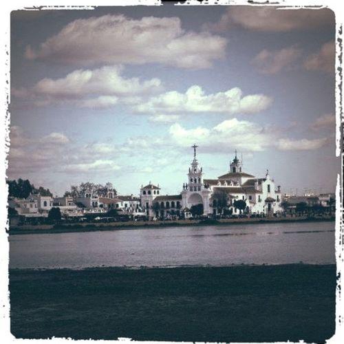La paz y la tranquilidad no está en los lugares sino en nuestro interior... Ahí fuera hay millones de espacios donde sentarnos a vivir un ratito de felicidad!!! Statigram Skystyles_gf Asiesandalucia Igerandalucia Instahuelva Igerasiesandalucia Igershuelva Almonte Andalucía Elrocio Unaciudadtumirada Skystyles_landsky_001 Instagram Huelva Gf_spain Instagrameando Iphone4 Instagood
