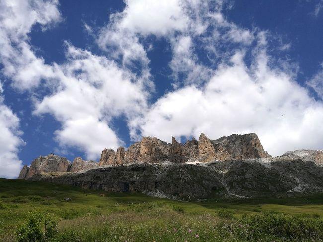 Sky Grass Cloud - Sky Rocky Mountains Tranquil Scene Tranquility Scenics Non-urban Scene Idyllic Calm Beauty In Nature