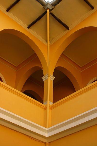 Perú ❤ Peru Traveling Piura Hotel Hotel Los Portables Yellow Yellow Wall Roof Corner