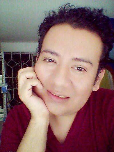 Será que me veo mejor sonriendo? :-D :)